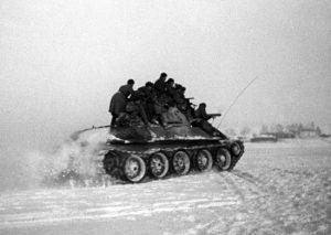 5 декабря 1941 года - контрнаступление Красной Армии против немецко-фашистских войск в битве под Москвой
